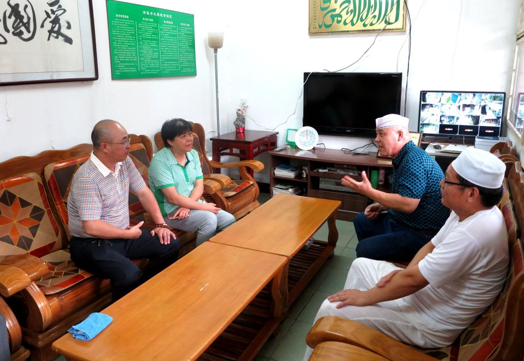 李秀瑛副主席走访我区清真寺