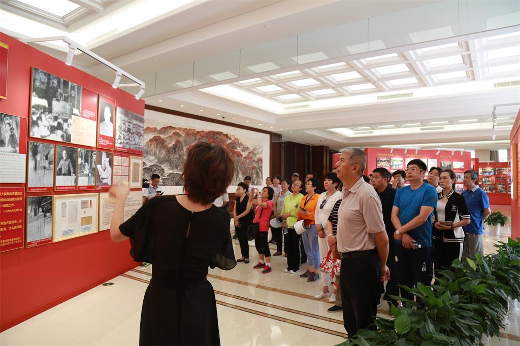 区政协开展纪念人民政协成立70周年主题活动